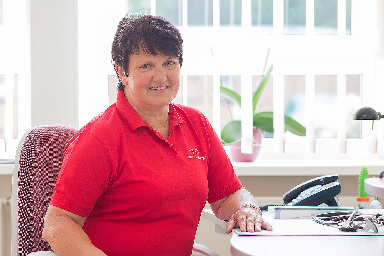 Frau Dr. Angela Vogel